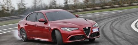 """Giulia Quadrifoglio eletta """"Auto dell'anno"""" Top Gear"""